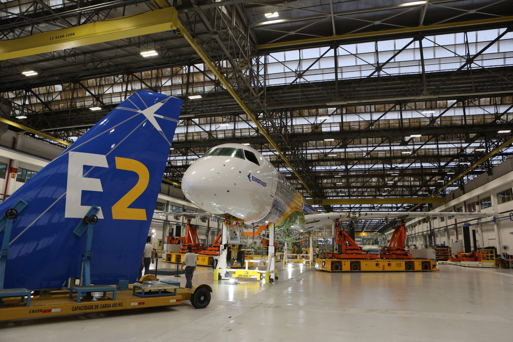 Resultado de imagen para Embraer factory