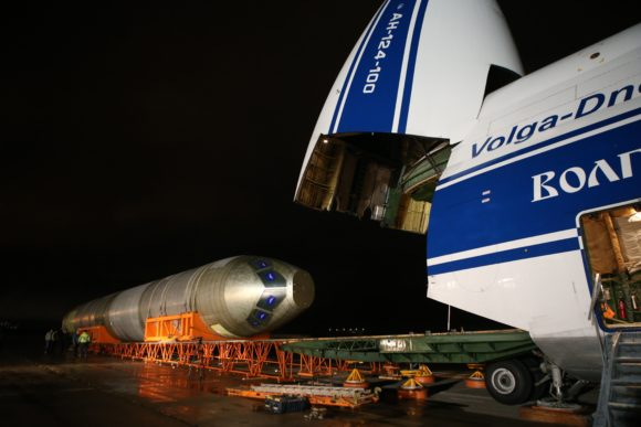 5 Unload MC-21 fuselage, airfield Ramenskoye