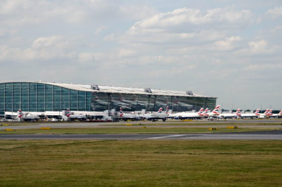 The correlation between airline ground time and profits
